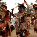 eshowe-kwazulu-natal-south-africa-12-2003-zulu-dancing-zulus-traditional-BBHE1R